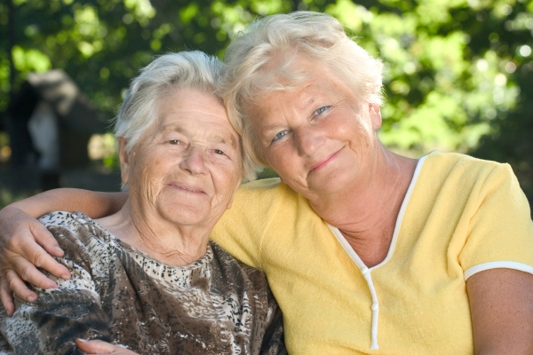 similarities between children and elderly people Old people and children give each why kids and the elderly benefit from close relationships doesn't mean children can't have caring older people in their.